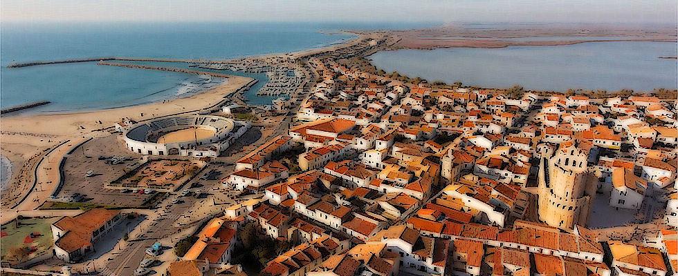 Saintes maries de la mer a small fishing town the - Office du tourisme saintes marie de la mer ...